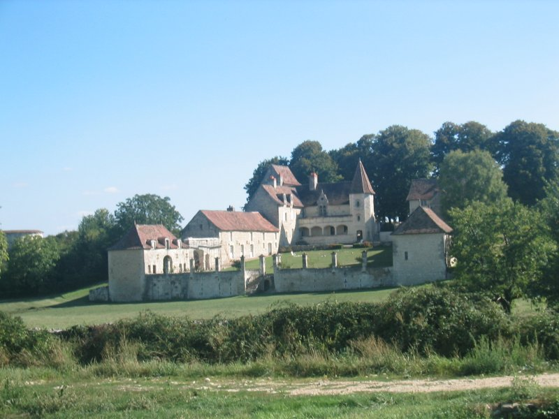 A manoir like many others in the land